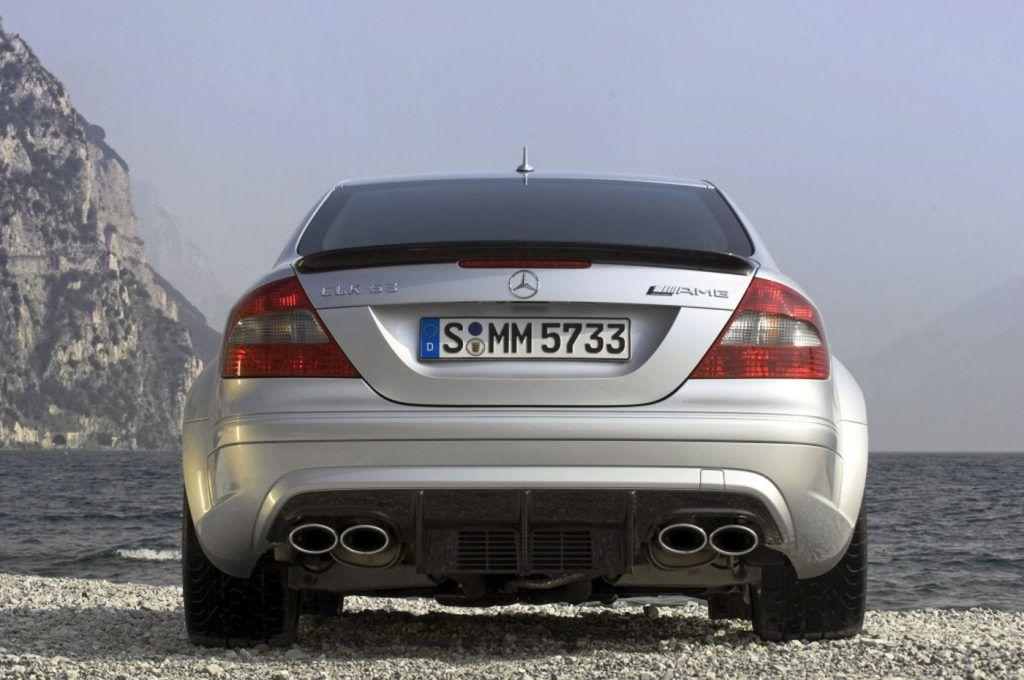 Mercedes-Benz E-klasa Coupe i Cabriolet, izvedbe koje i danas zrače posebnim stilom 6