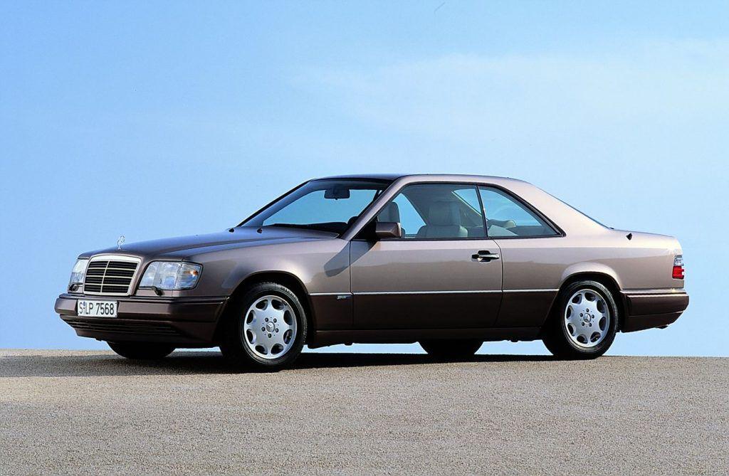 Mercedes-Benz E-klasa Coupe i Cabriolet, izvedbe koje i danas zrače posebnim stilom 4