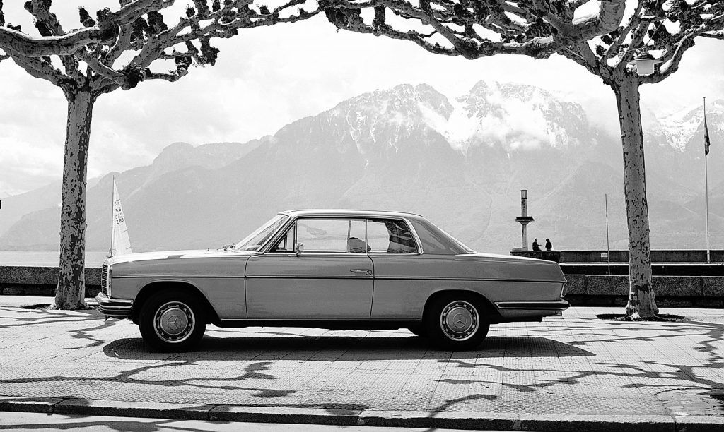Mercedes-Benz E-klasa Coupe i Cabriolet, izvedbe koje i danas zrače posebnim stilom 1