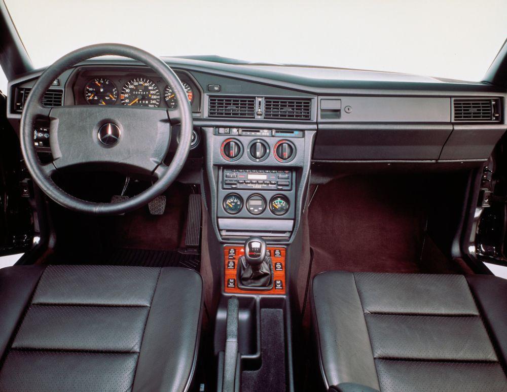 Mercedes-Benz 190 E 2.5-16 Evolution II, 30 godina od pojavljivanja legende 4