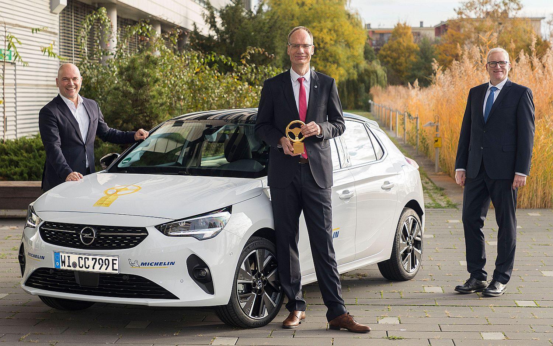 Opel Corsa e Michelin Goldenes Lenkrad