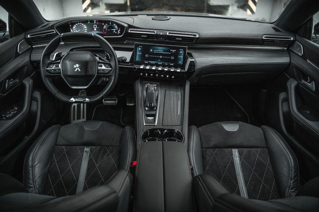 Peugeot i-Cockpit savršen je dokaz kako budućnost već boravi u automobilima 1