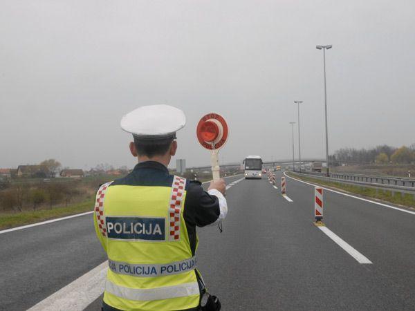 Korisni savjeti svim sudionicima u prometu tijekom blagdana, evo na što policija skreće pažnju 2