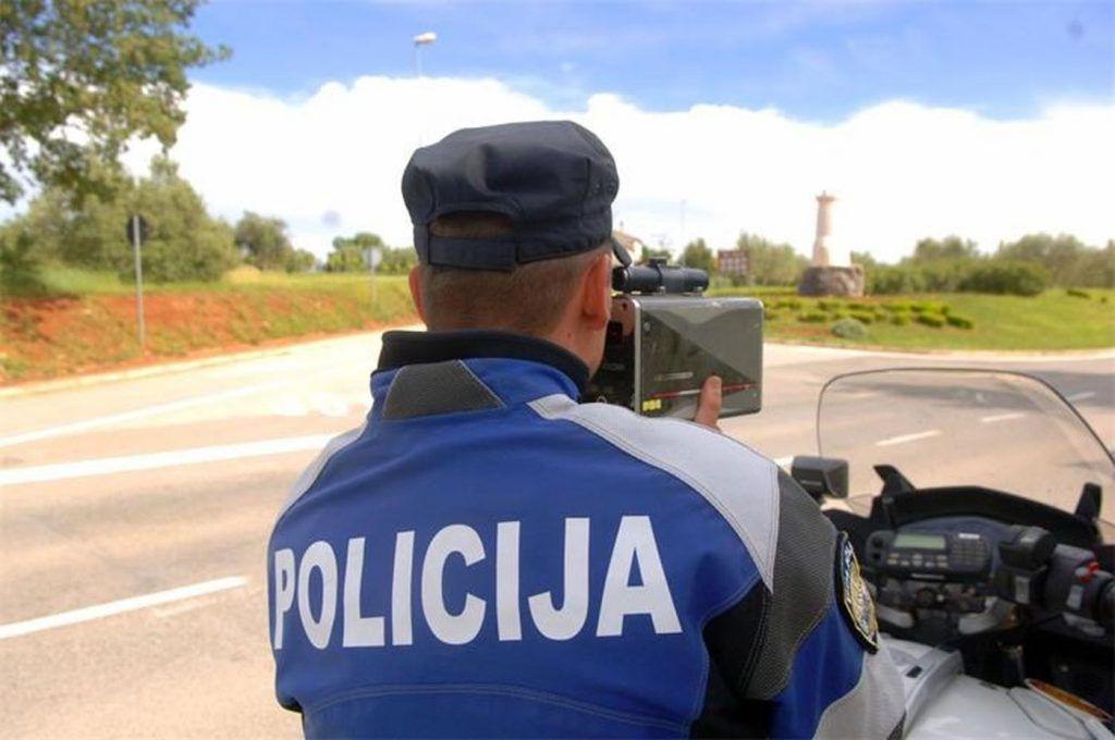 Policija savjetuje, poštujte propise i posebno skreće pozornost na ostale sudionike u prometu