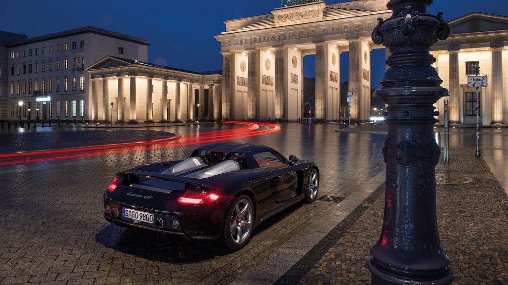 Porsche Carrera GT slavi 20 godina od premijere u Parizu 2