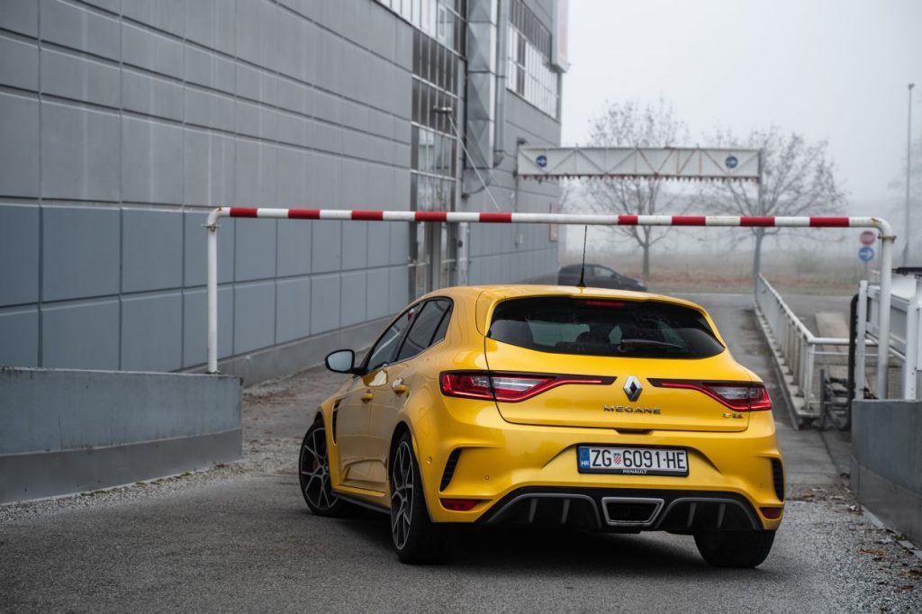 Renault Megane RS Trophy TCe 300 i dalje je definicija ultimativnosti, zadržava li titulu kralja staza? 1