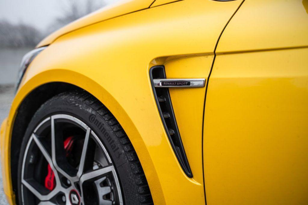 Renault Megane RS Trophy TCe 300 i dalje je definicija ultimativnosti, zadržava li titulu kralja staza? 6