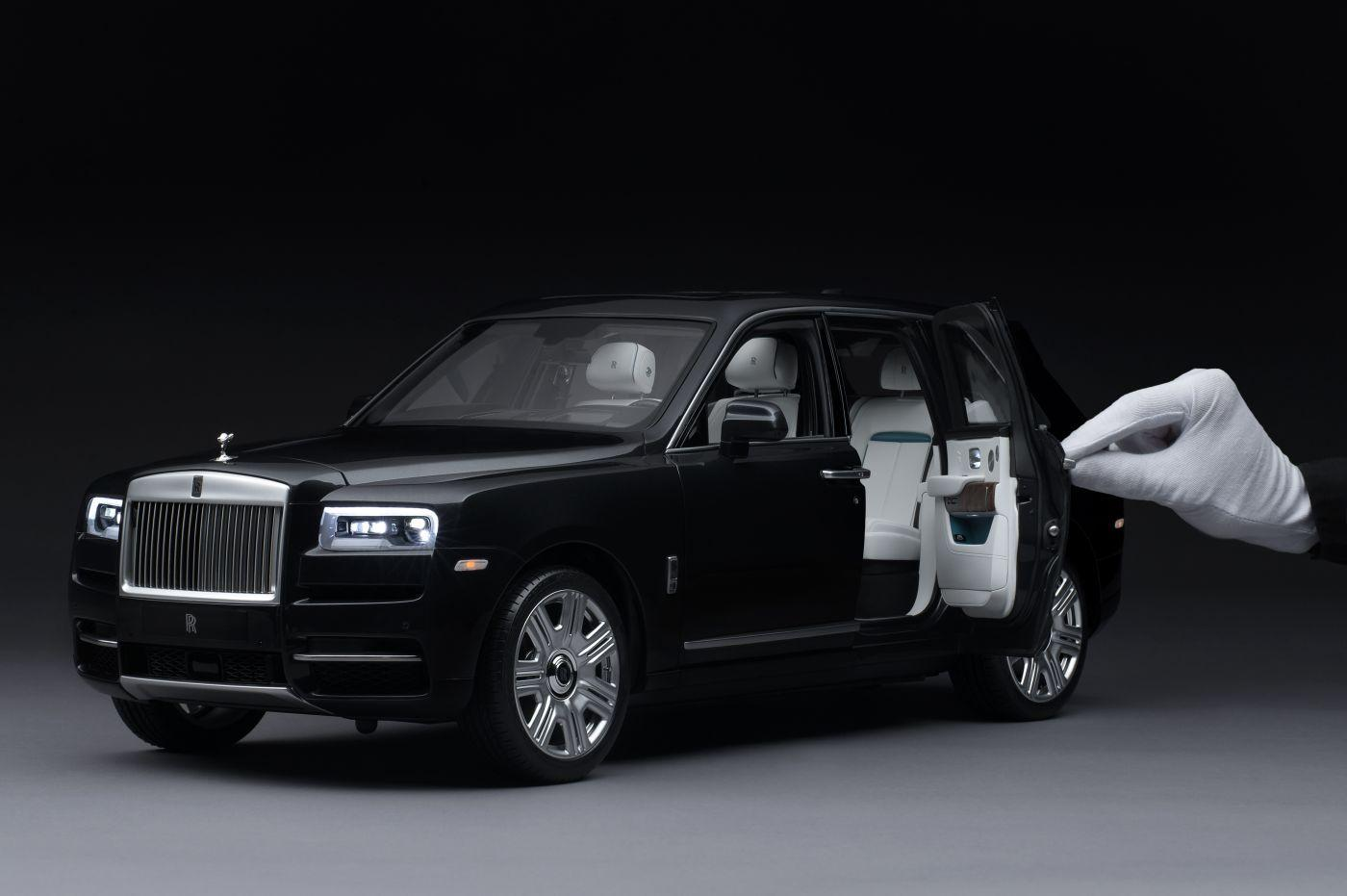 Rolls Royce Cullinan scale