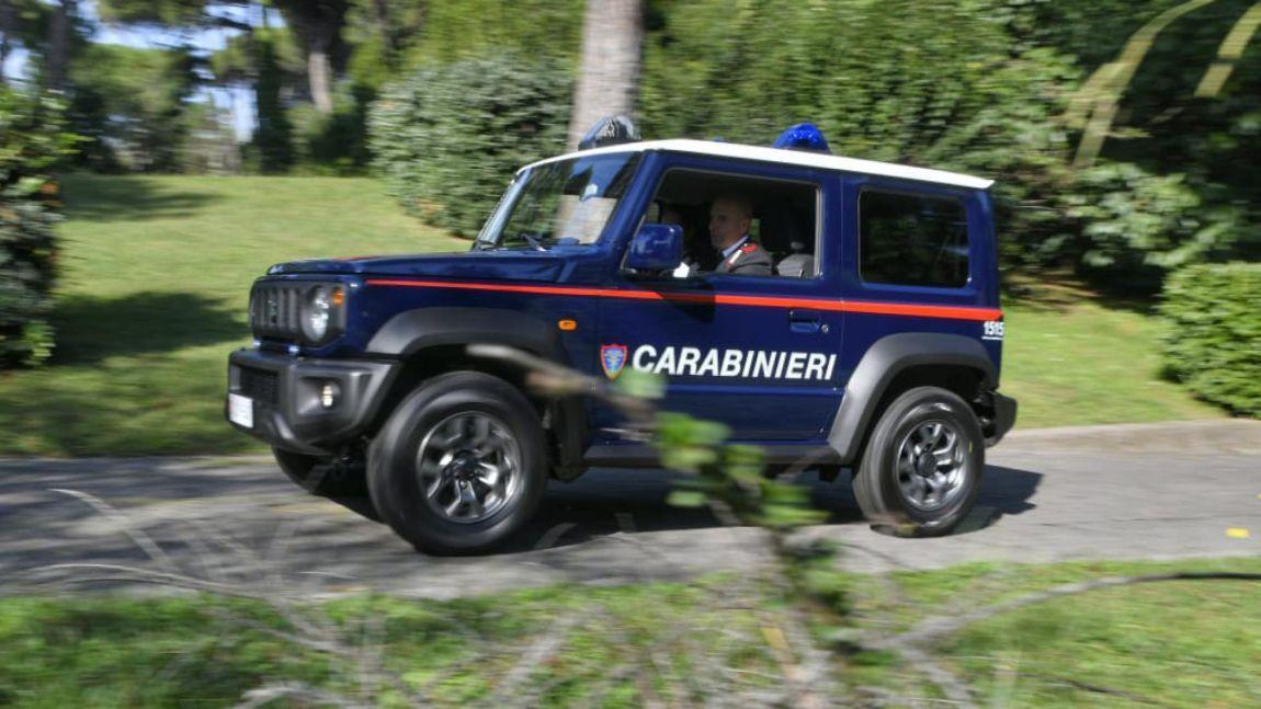 Suzuki Jimny suv policia