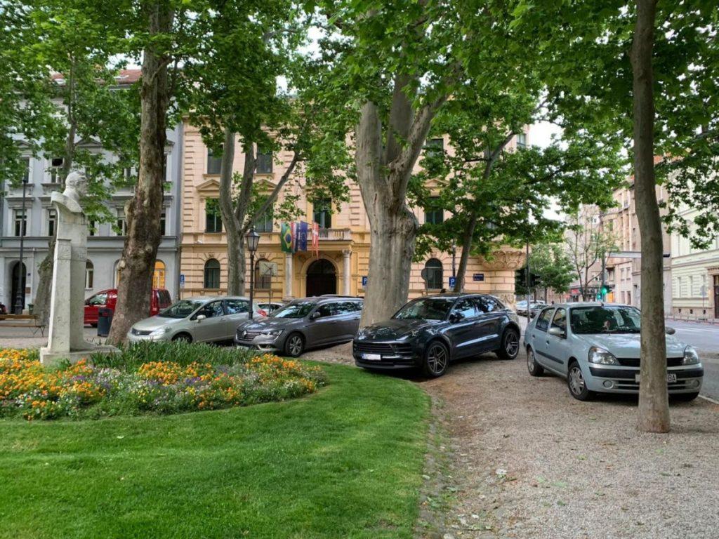 Od ponedjeljka, 18. svibnja, neće se više tolerirati parkiranje po zelenim površinama u Zagrebu