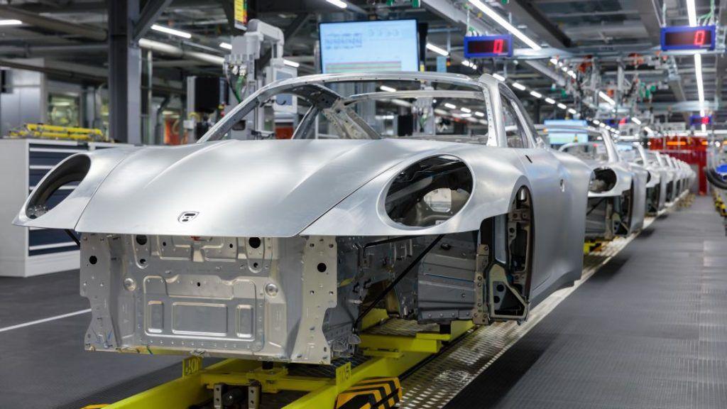 Porsche zaustavlja proizvodnju zbog koronavirusa