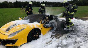 Ferrari 488 Pista u plamenu, ovaj prizor ledi krv u žilama